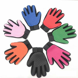 $enCountryForm.capitalKeyWord Australia - High Quality Pet Cleaning Grooming Brush Glove Dog Comb Silicone Bath Mitt Pet Dog Massage Hair Removal Grooming pet Glove Mixed Colors
