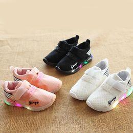 $enCountryForm.capitalKeyWord Australia - NEW Fashion Childrens Luminous Shoes Stars Print Girls Flat Shoes Luminous Non-slip Wear-resistant Childrens Shoes Best quality D-6