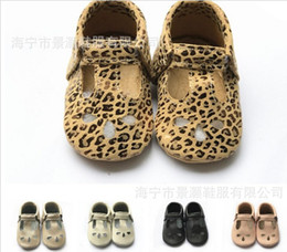 baby girls leopard print shoes Canada - 2019 New 100% Genuine Leather Leopard Print Baby Moccasins Soft Sole Mary Jane Baby Girls Boys Shoes Toddler Infant Kids Shoes Y19051303