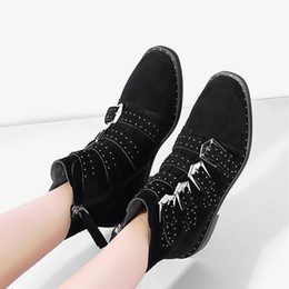 Wholesale black models feet resale online – designer 2019 Autumn And Winter Models Brock Women s Shoes Leather Sets Of Feet Thick End England Wild Rvet Retro Locomotive