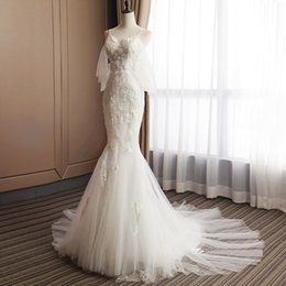 wedding dress fishtail back UK - Hand embroidery V-neck sling Pearl back sexy trumpet sleeve lace flower wrap hip fishtail dress wedding dress