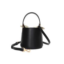 $enCountryForm.capitalKeyWord UK - Unique design genuine leather lady bucket bag new bow shoulder bag cross-body bag handbag cowhide fashion