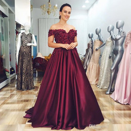 Discount custom light up shirts - 2019 Newest Burgundy Off The Shoulder Mother Of The Bride Dress 3D Flower Lace Beading Formal Party Dress Floor Length S