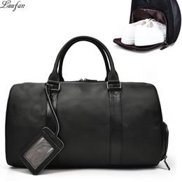 bc49cb5b70819 Männer Reisetasche Weiche Echtes Leder Große Reise Seesack Nacht Große  Kapazität Schwarz Business Gepäck Wochenende Taschen Männliche Handtasche