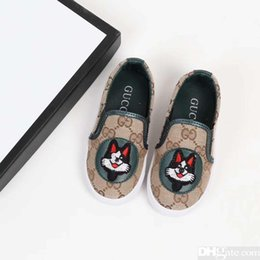 sneakers uomo NZ - 2019 new boys sneakers baby girl shoes kids brand shoes boys zapatos de niños scarpe da uomo Cartoon pattern canvas shoes loafers baby XK-7