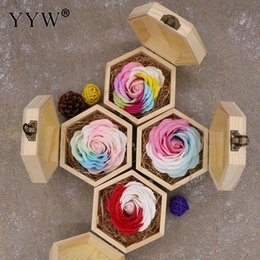 $enCountryForm.capitalKeyWord Australia - Wedding Regalos Souvenirs Valentines Gift Color Soap Rose Gift Box Wood Gifts For Guests Party Favors For Girlfriend Lover