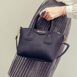 $enCountryForm.capitalKeyWord Australia - New Women Crossbody Bag Causal Female Small Messenger Bag Fashion Pu Leather Ladies Shoulder Bags Mini Cheap Smiling Handbag