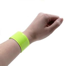 $enCountryForm.capitalKeyWord UK - 3pcs Reflective Wrist Bands Durable PVC Safety Slap Bands Night Running Armbands Luminous Bracelets For Hiking Jogging