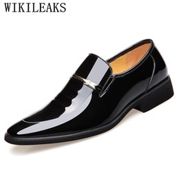 mens brown slip dress shoes Canada - 2018 High Quality Men oxfords Dress Shoes Fashion Slip On Loafers Wedding Brown Black Shoes Mens Pointed Toe Formal Office
