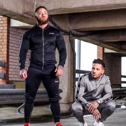 $enCountryForm.capitalKeyWord Australia - Running Clothing Suit Male Sport Suit Gym Sportswear Tracksuits Fitness Body buildin Mens Hoodies+Pants Sport Running Men Set SH190911