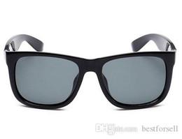 Driving Mirrors UK - New Fashion Sunglasses UV400 Justin Men Womens Brand Designer Driving Eyeglasses Gardient Sun Glasses Black with Case