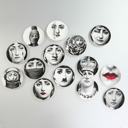 Discount wall ceramics - Fashion Artistic Woondecoratie Kerst Muur Platens 8 Inches Round Utenos Fornasetti Platen Red Lips Pattern Hanging Plate