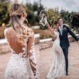 2020 Sexy Sheer Bohemian Wedding Dresses Sheath Long Sleeves Lace Appliqued Backless Beach Boho Bridal Gowns BC1076 on Sale
