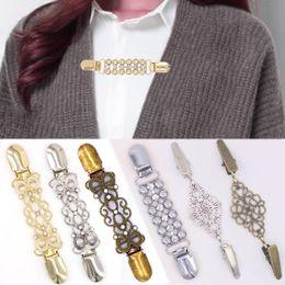 $enCountryForm.capitalKeyWord Canada - LNRRABC Shawl Collar Vintage Cardigan Clip Gift Duck Clip For Women Girls 1PC Brooch Blouse Shirt Sweater Crystal Retro Jewelry