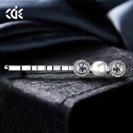 $enCountryForm.capitalKeyWord Australia - Wedding Party beaded pearl gift woman lady diamond jewelry Brooches for bride acting initiation graduation CDE-1450