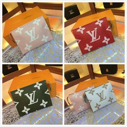 High End Clutch Bags Australia - New French high-end brand ladies chain clutch bag casual fashion leather business casual party travel women's handbags free shipping