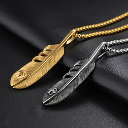 $enCountryForm.capitalKeyWord Australia - Gold Feather Titanium Pendant Hip Hop Designer Jewelry Choker Iced Out Chain Stainless Steel Jewelry Mens Necklace