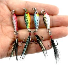 HENGJIA 15 unids / lote 2.5 cm 5 g Ojos 3D Mini Paquete Plomo de Plumas Camino Pluma de cebo de metal cebo de pescado envío gratis