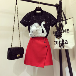 $enCountryForm.capitalKeyWord Australia - 2019 New Fashion Summer Women's Stereo Swan Sequins Embroidery T-shirt Top + Red Buttons A Line Skirt Twinset Ladies Skirt Set T5190610