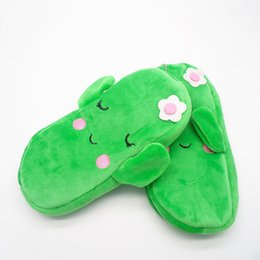 Cute Gifts Coin Purses UK - Cute Coin Purse Cactus Plush Pencil Mini Bag Pen Box for Girls Student Stationery Pouch Gift