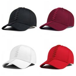 $enCountryForm.capitalKeyWord Australia - Retro Tape Pattern Hip Hop Hat Couple Snapback Outdoor Motion Baseball Cap Curved Eaves Sunhat Cotton Red Black 14dj C1