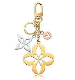 $enCountryForm.capitalKeyWord Australia - & Malletage Blossom Bag Charm New Key Holder M00002 Key Holders And More Leather Bracelets Chromatic Bag Charm And Key Holder Scarves Belts