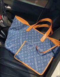$enCountryForm.capitalKeyWord NZ - 2019 New arrival fashion women's shoulder bag Floral pattern female Tote small Handbag With Crossbody Strap bag wallets purse handbags B013