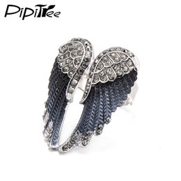 $enCountryForm.capitalKeyWord UK - Pipitree 2017 Fashion Angel Wings Ring Punk Biker Jewelry 11 Colors Antique Gold Color Vintage Rhinestone Rings for Men Women