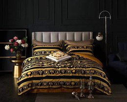 Bedding coverlets online shopping - LE VASE Baroque Medusa Bedding Sets Barocco Classic Patterns Soft Bed Linen Duvet Cover Pillowcases Bed Sheet Sets Home Textile Coverlets