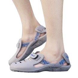 $enCountryForm.capitalKeyWord NZ - 2019Summer Men's Fashion Casual Slippers Outdoor Beach Slippers Comfort Sandals Plastic Flip Flops Round Toe Leisure Flat Outside