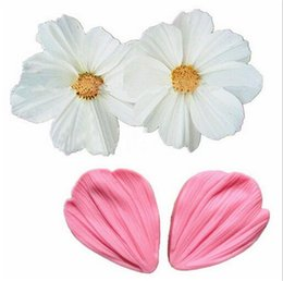 ChoColate Cake Cookies online shopping - Chrysanthemum Flower Petals Shape Silicone Mold Fondant Chocolate cake tools Baking Cookie Moulds Decorating Molds