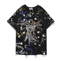 Discount new fashion men shirt star printed T-shirt 20SS Man and woman color Starry sky astronaut Five stars Graffiti pattern Cotton Half sleeve Loose fashion Hip h