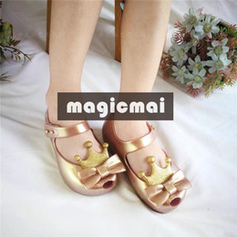 gold sandals for girls NZ - Designer Kids Shoes Lovely Crown Gold Sandals for Girls Candy Color Summer Shoes Princess Jelly Shoes with Box Toddler Little Kids Sandals