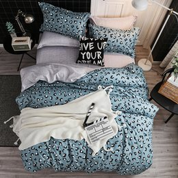 grey white bedding NZ - Fashion home bedding grey leopard bed linens 100% polyester duvet cover set American style bedclothes leopard bed set flat sheet