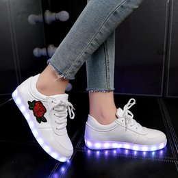 White Rose Pattern Australia - Jawaykids Fashion Rose Pattern Usb Charger Sneakers Party Girls Shoes Women Glowing Sneakers Outdoor Baby Shoes Casual Shoes Y19051303
