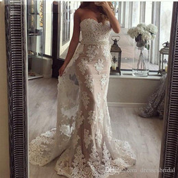 Black Light Overlays NZ - Sweetheart Sheath Prom Dresses with Detachable Overlay Skirt Sleeveless Vintage Lace Evening Gowns Dubai Long Formal Party Gowns