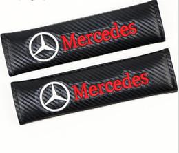 Fibra de carbono 3D Bordado AUTO SPORT Cinto de Segurança Do Carro Almofada de Ombro de Segurança Capa para Mercedes FID UNIVERSAL PERSONALIZADO venda por atacado