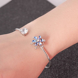 snowflake jewelry crystal set NZ - 1Pc 2018 Fashion Flowers Snowflake Design Rotatable Dancing Stone Crystal Opening Bracelet Fashion Wedding Women Jewelry Gift Women