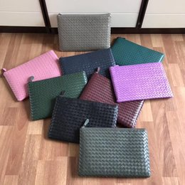 High End Hand Bags Australia - Classic hot-selling lady envelope bag Italian famous designer lady hand bag pure hand woven high-end custom quality fashion casual style