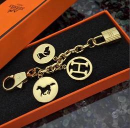 Letter D Pendant Australia - New letter lock metal key ring unisex letter pendant key chain   bag chain   men and women gold and silver key ring lover gift have box