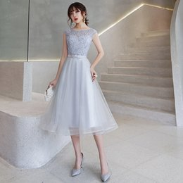 $enCountryForm.capitalKeyWord Australia - Silver Gray Lace Tulle Short Modest Bridesmaid Dresses Sleeveless A-line Tea Length Jewel Informal Party Dress Cheap Bridesmaid Gown