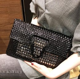 $enCountryForm.capitalKeyWord Australia - Fashion hand take envelope bag female 2019 new diamond-studded small bag personalized banquet handbag