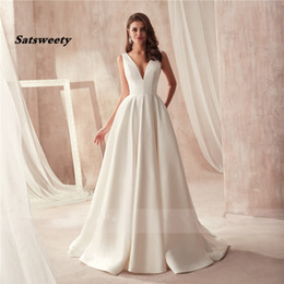 wedding dresses flowers design NZ - Famous Design Satin Wedding Dress with Pocket V-neck Cutout Side Open Back Bridal Dress Pocket vestido longo de festa