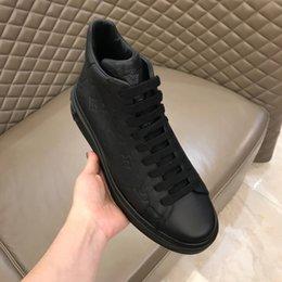 Scarpe da uomo di alta qualità di design di lusso scarpe da uomo in vera pelle con scatola 6sf in Offerta