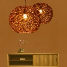 Ingrosso Moderna semplice lampada a sospensione in rattan bambù creativo appeso luce apparecchio marrone per camera da letto bar soggiorno illuminazione domestica