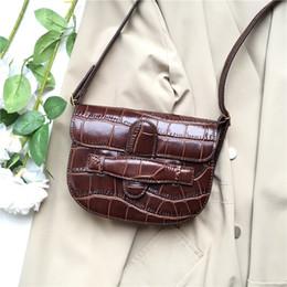 $enCountryForm.capitalKeyWord NZ - Elegant2019 Bag Luxurious2019 Joker Woman Crocodile Grain Cowhide Saddle Package Mini- Packet Oblique Satchel