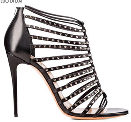 $enCountryForm.capitalKeyWord Australia - 2019 fashion women open toe sandals gold high heels party shoes zip back gladiator sandals dress shoe sexy spike stud sandals