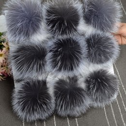 $enCountryForm.capitalKeyWord NZ - 5pcs  lot DIY 13cm Silver fox fur 15-16cm Raccoon Fur pompoms for knitted hat cap beanies and keychain and scarves real fur ball S18120302