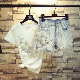$enCountryForm.capitalKeyWord Australia - 2018 Summer New Fashion Girls Fashion 3d Flowers Short T -shirt + Denim Shorts Two -piece Women Quaste Hole Jeans Sets Y19071301