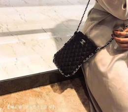 Neue beste Liebhaber Geschenk Marken Handytasche aus schwarzem Leder Nullgeldbeutel Mode Frauen Kette Umhängetasche Lady Luxus-Kupplungs-Mappe im Angebot